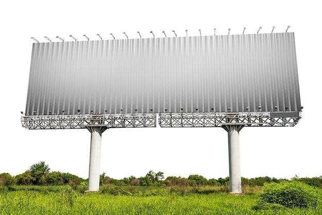 Пустой рекламный щит с лугом, изолированные на белом фоне