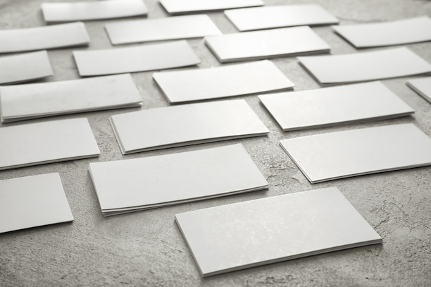 灰色のコンクリートの空白の名刺