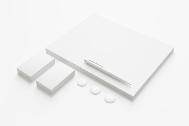 空白の企業文具セット。