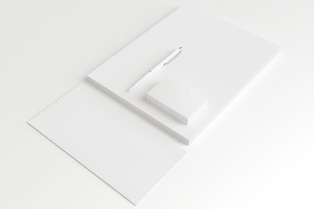 Buste e biglietti da visita in bianco isolati su bianco.