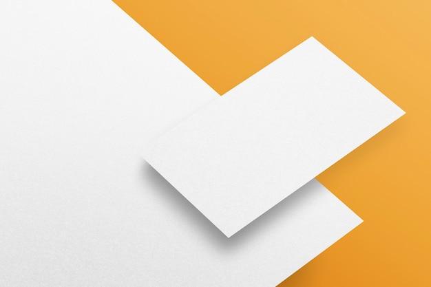 Пустой бланк и визитка, бумажные канцелярские товары, фирменный макет