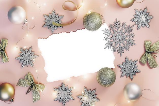 Пустая поздравительная бумажная открытка с рождеством или новым годом. плоская планировка. вид сверху.