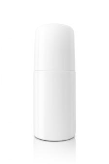 Пустая упаковка белая роликовая бутылка для макета дизайна дезодоранта на белом фоне с обтравочным контуром