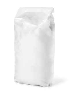 클리핑 패스와 함께 흰색 절연 밀가루의 빈 종이 가방 패키지