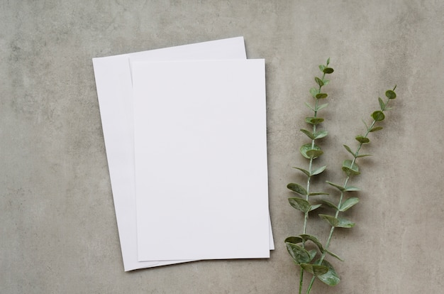 Blank paper with leaves