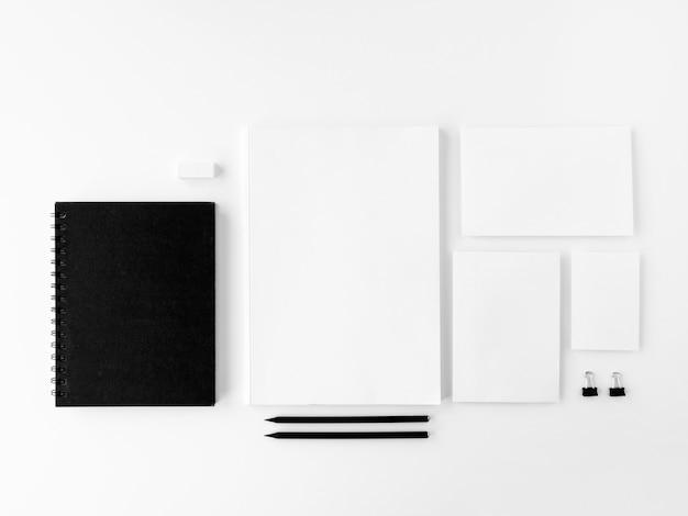 空白の文房具セット