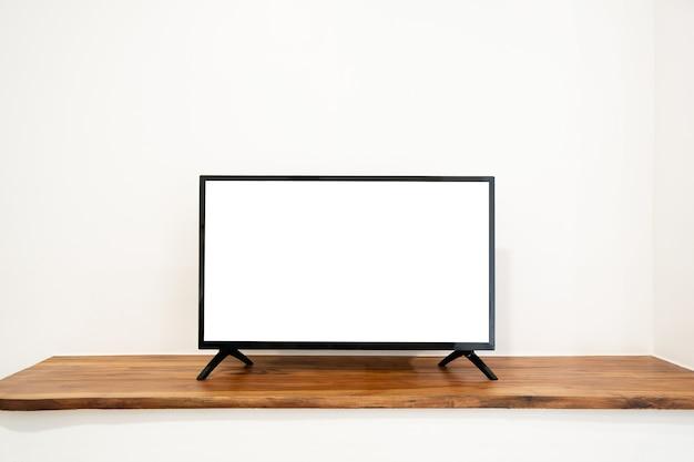 흰색 배경에 고립 된 찬장에 빈 텔레비전 화면. 복사 공간이 있는 tv 템플릿입니다.