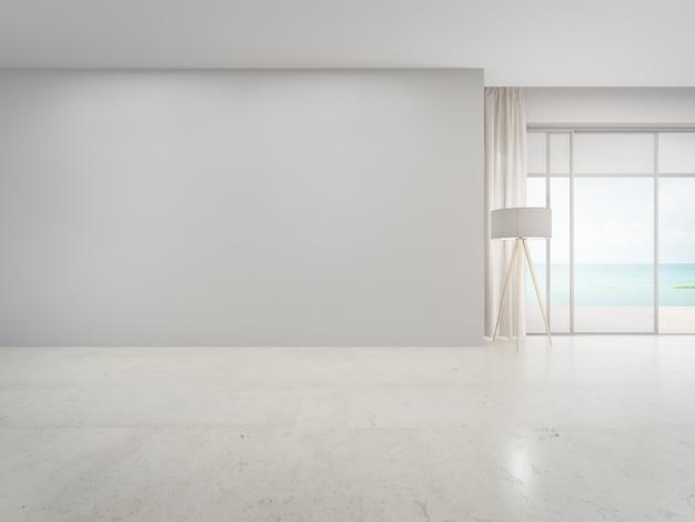 Глухая стена на пустом бежевом мраморном полу большой гостиной в современном доме