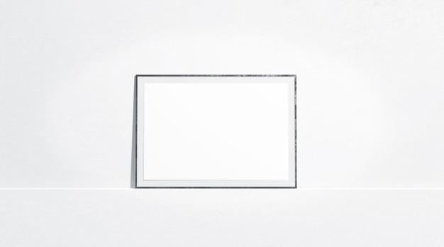 Пустой белый горизонтальный бумажный плакат макет стенда у стены галереи, вид спереди