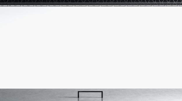Пустая белая огромная стена галереи со скамейкой в макете музея. макет пустой гигантской экспозиции в зале.