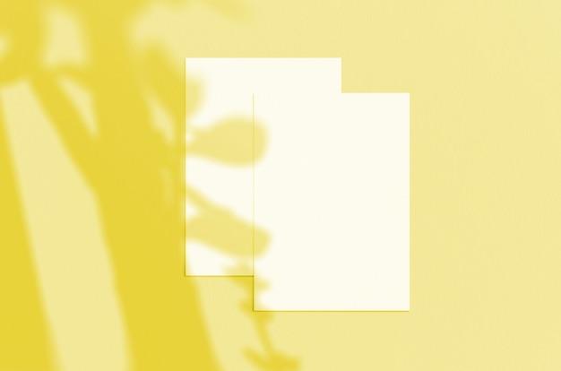 그림자 오버레이가있는 빈 흰색 세로 종이 시트 5x7 인치