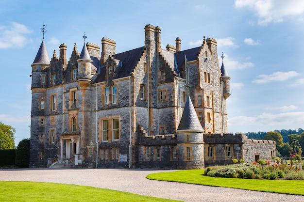 Дом бларни в садах замка - графство корк - ирландия