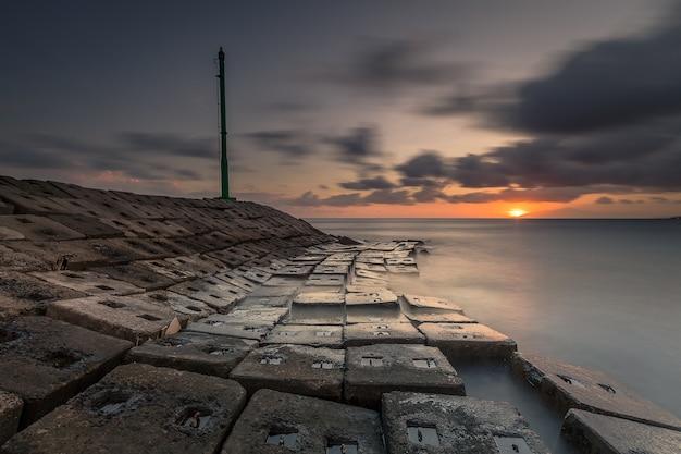 Blocks of shore