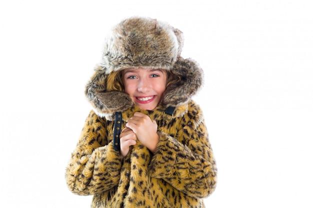 金髪の冬の子供女の子冷たいジェスチャーと毛皮