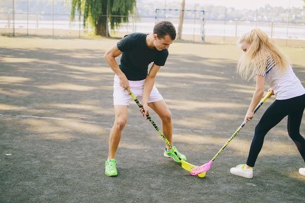 Bionda giovane sportivo atletico attivo