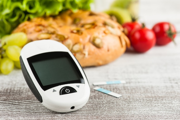 Blood glucose meter and bagel