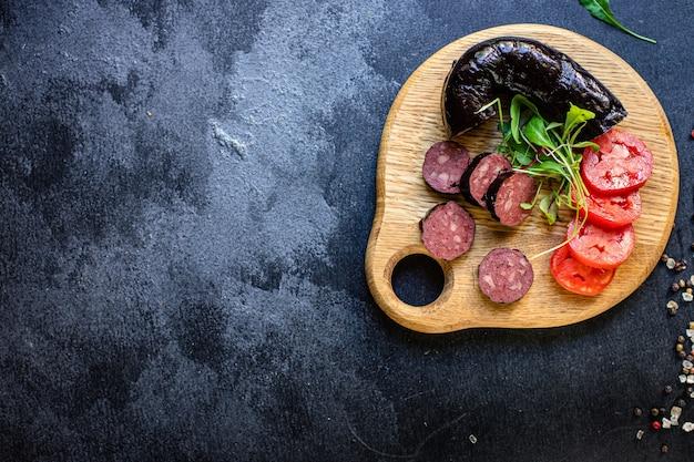 ブラッドソーセージと野菜の食事の材料