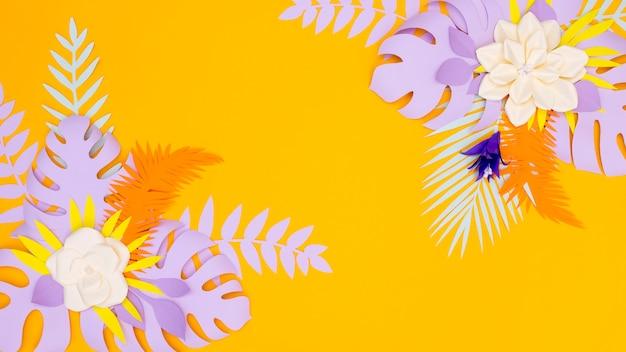 Цветут цветы и листья из бумаги
