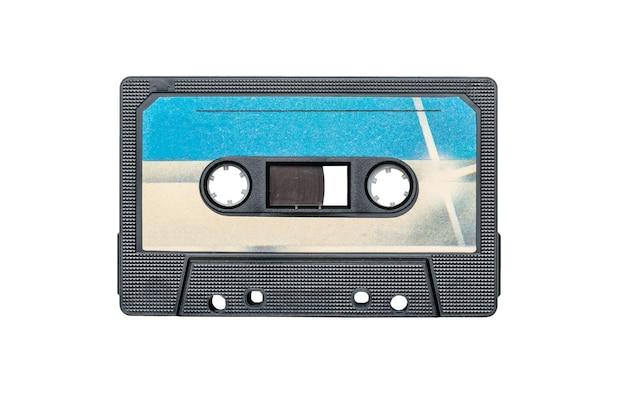 Синий и белый магнитофон, изолированные на белом фоне.