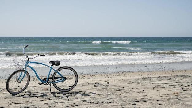블루 자전거, 오션 비치 태평양 연안의 크루저 자전거, 오션 사이드 캘리포니아 미국