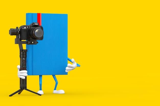 노란색 배경에 dslr 또는 비디오 카메라 짐벌 안정화 삼각대 시스템이 있는 파란색 책 캐릭터 마스코트. 3d 렌더링