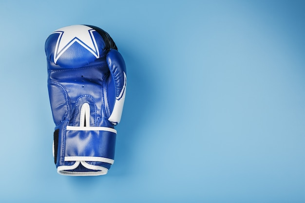 Blue boxing glove o