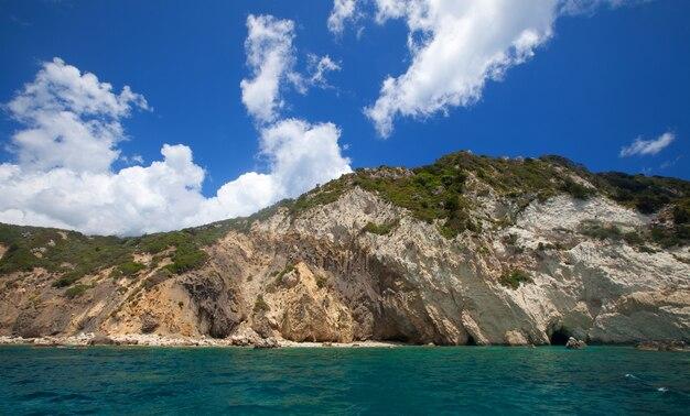 쟈 킨 토스 섬, 그리스, 여름에 푸른 동굴