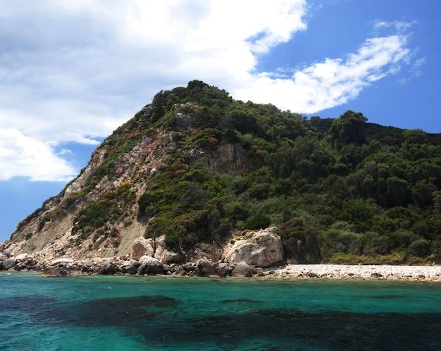 Голубые пещеры на острове закинф, греция