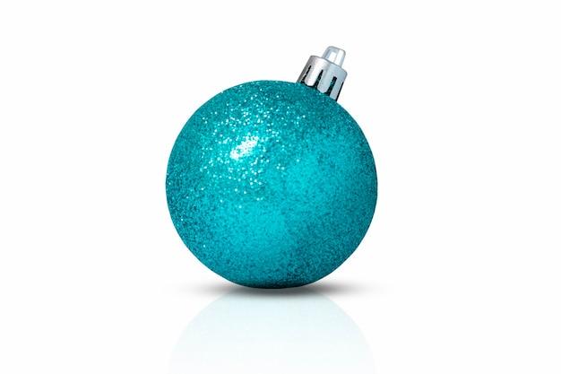 白い背景で隔離のキラキラと青いクリスマスの装飾