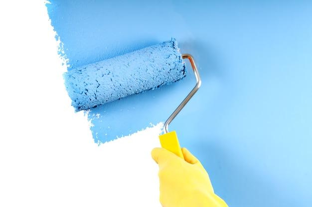 Роспись стен в синий цвет валиком