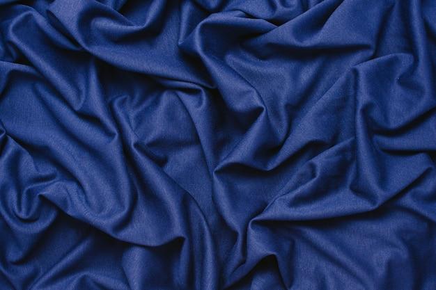 青い布の背景。