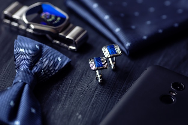 タキシード蝶ネクタイハンカチスタイルの時計のための青いファッションメンズカフリンクスアクセサリー