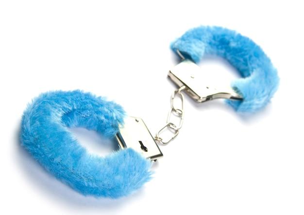Синие пушистые наручники