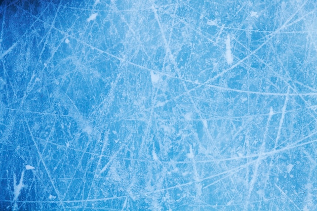 ひびの入った青い氷。冷ややかな質感。高品質の写真