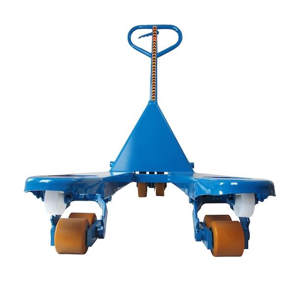 파란색 수동 유압 팔레트 트럭, 지거, 흰색 배경에 고립 된 팔레트를 들어 올리고 이동하는 경로 선택 저장.