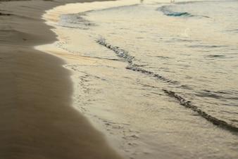空の地平線のない青い地中海。