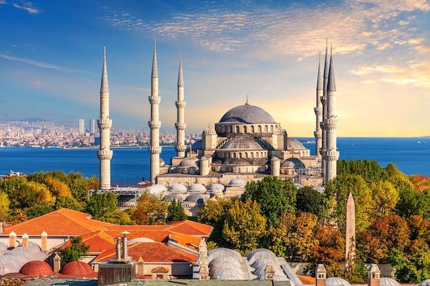 Голубая мечеть стамбула, известное место посещения, турция.