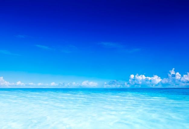 サモアの青い海