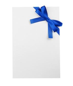 青いサテンのリボンとカード
