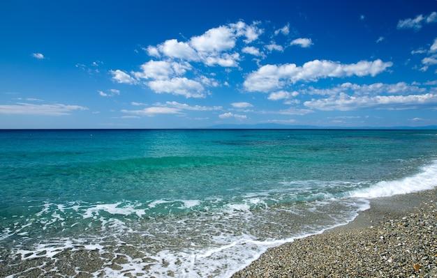 ギリシャの青い海