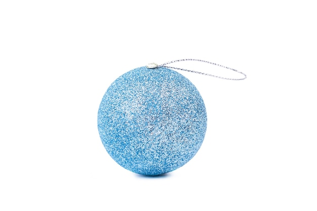 Синий блестящий рождественский бал, белый фон.