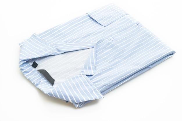 흰색 배경에 고립 된 흰색 스트립 블루 셔츠