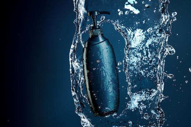 水しぶきと水の流れの青いシャワージェル