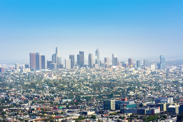 Голубое небо над центром лос-анджелеса