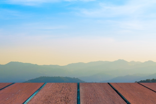風景と木の床、背景と青い空