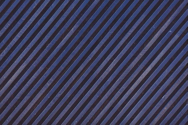블루 스트라이프 금속 표면