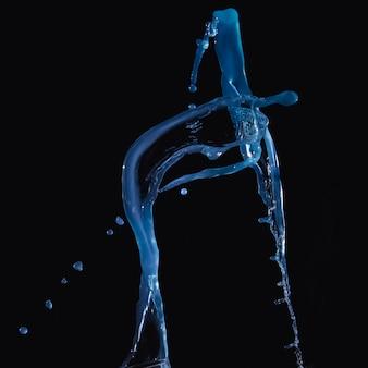 Синяя вода спрей на черном фоне
