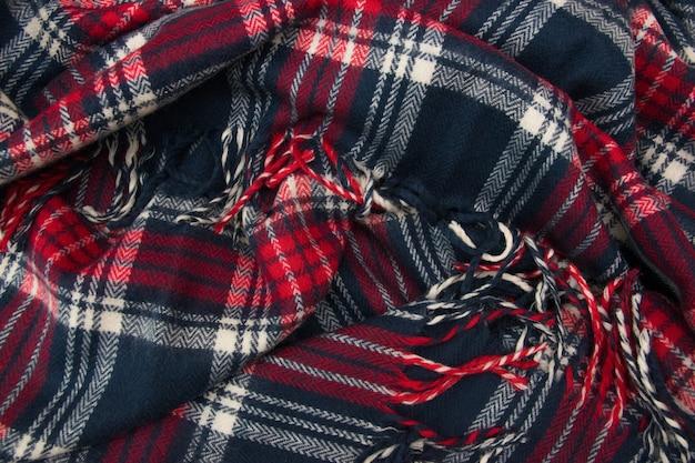 青、白、赤のケージ生地または布地。