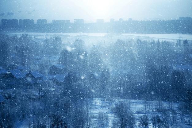 青い冬の背景