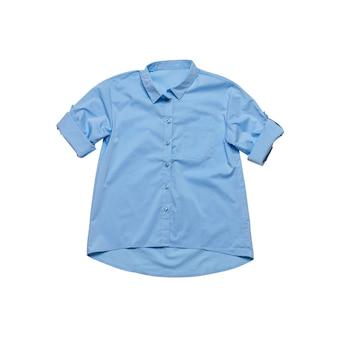 흰색 배경에 포장된 소매가 있는 파란색 여성용 셔츠. 클래식 의류.
